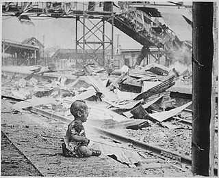 War - Shanghai child at train station