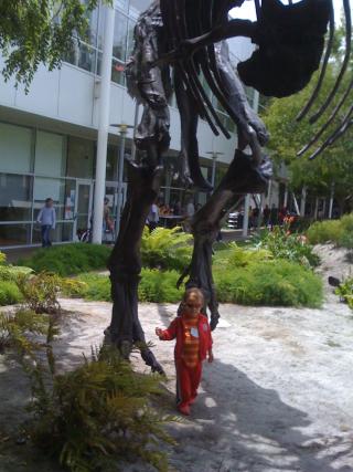 GMC w dinosaur